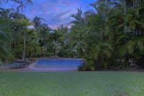Turn 2 daytime real estate photos into beautiful twilights için Photoshop23 No.lu Yarışma Girdisi