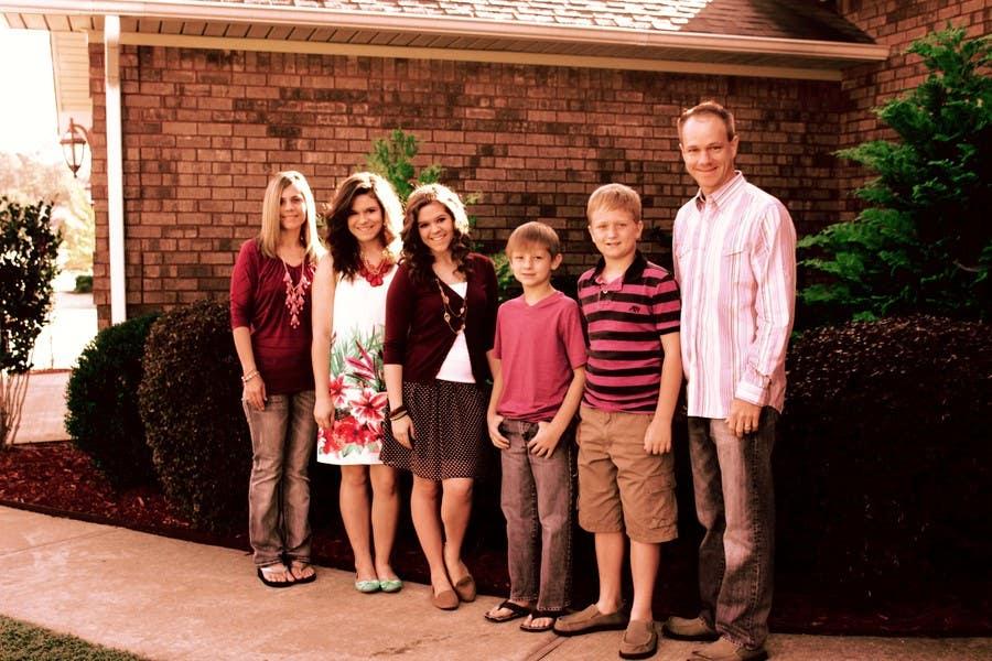Konkurrenceindlæg #31 for Family Photo Enhancement