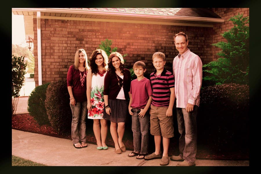 Konkurrenceindlæg #47 for Family Photo Enhancement